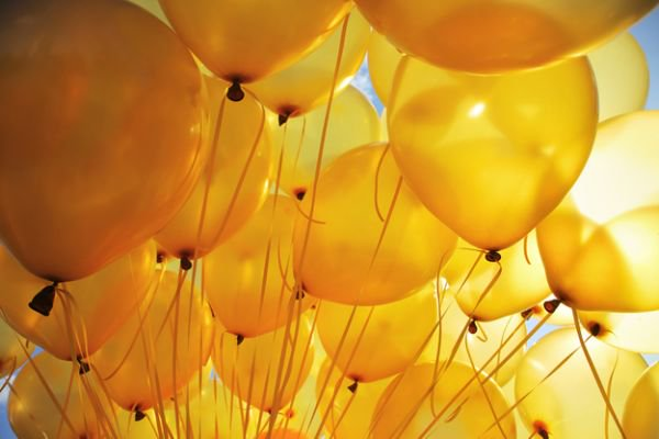 Let's fill our feed with yellow balloons. You can't put a yellow balloon on trial. Long live yellow balloons. https://t.co/9a1IUPZRku