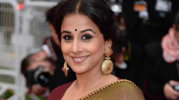 Vidya Balan  IMAGES, GIF, ANIMATED GIF, WALLPAPER, STICKER FOR WHATSAPP & FACEBOOK