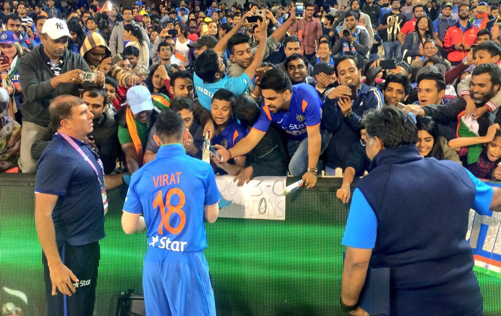 """ABC Grandstand on Twitter: """"Shane Watson joins Grandstand, man of the match Virat  Kohli mobbed by fans. #AUSvIND https://t.co/ISFEfQLq0t"""""""