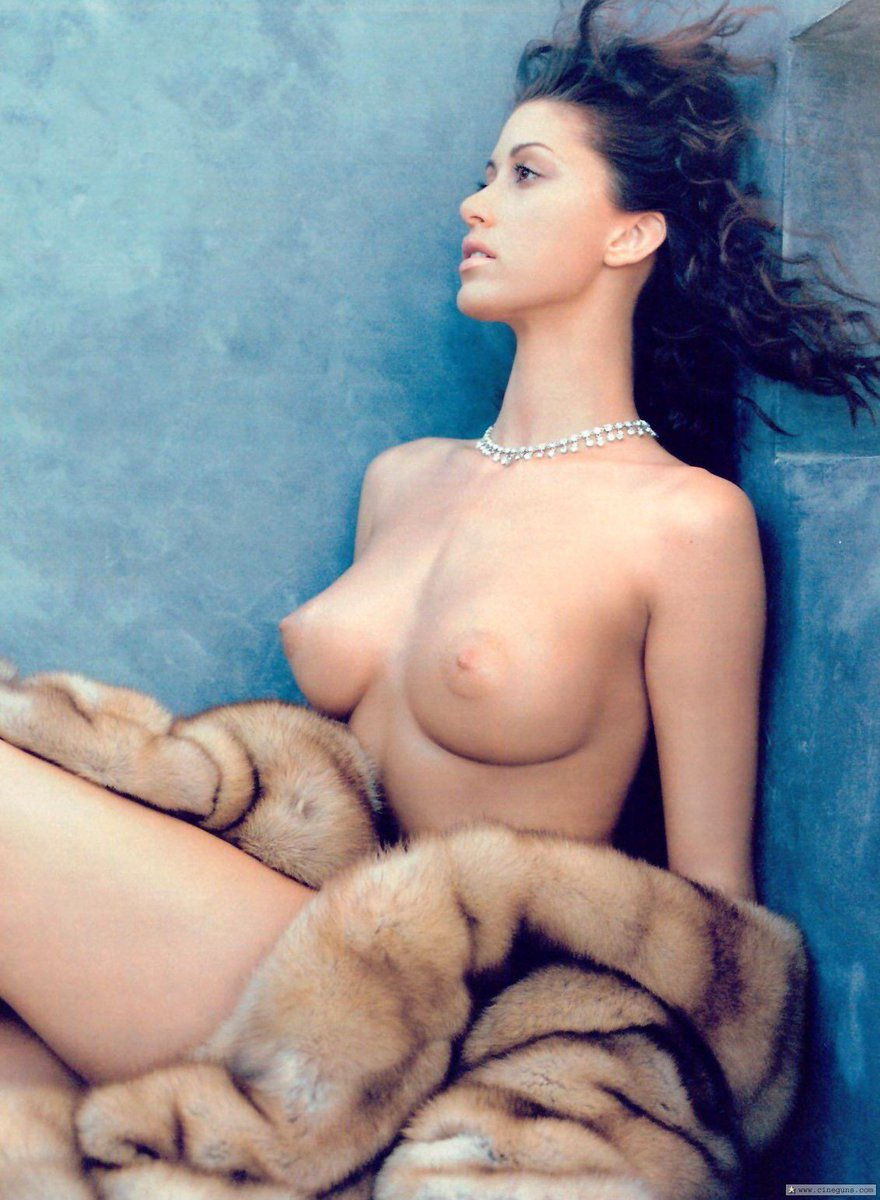 Young shannon elizabeth naked