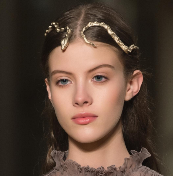 Haute Couture: #Valentino Haute Couture #SS16 Snake