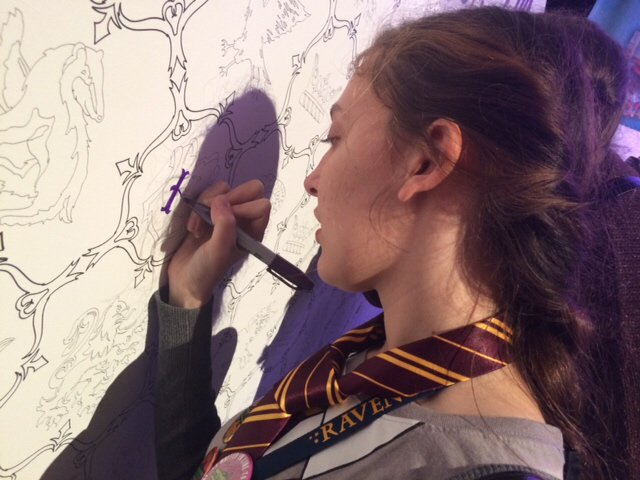 The Harry Potter Coloring Wall is feeling the love at #hpcelebration at @universalorl! Coloring can be magical 🔮 https://t.co/wGDT4z7Xka