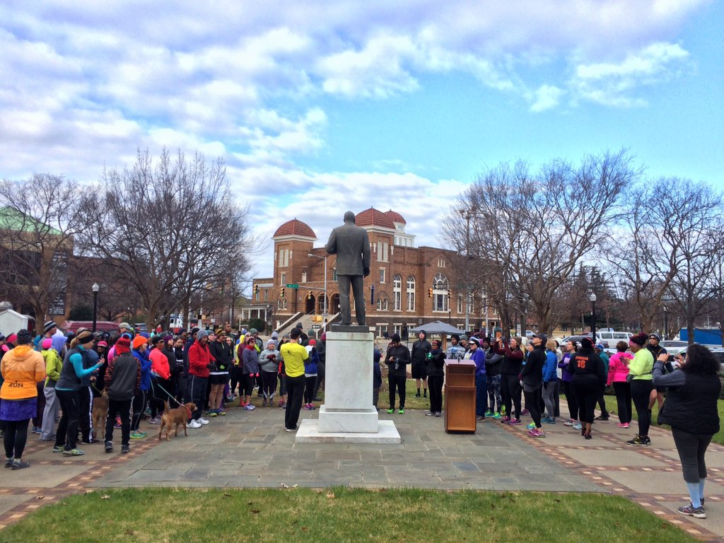 "Read ""I Have A Dream"" on our #MLKDay run in Birmingham. So much history to remember today. #instagrambham @spann https://t.co/F5QEFr7XuH"