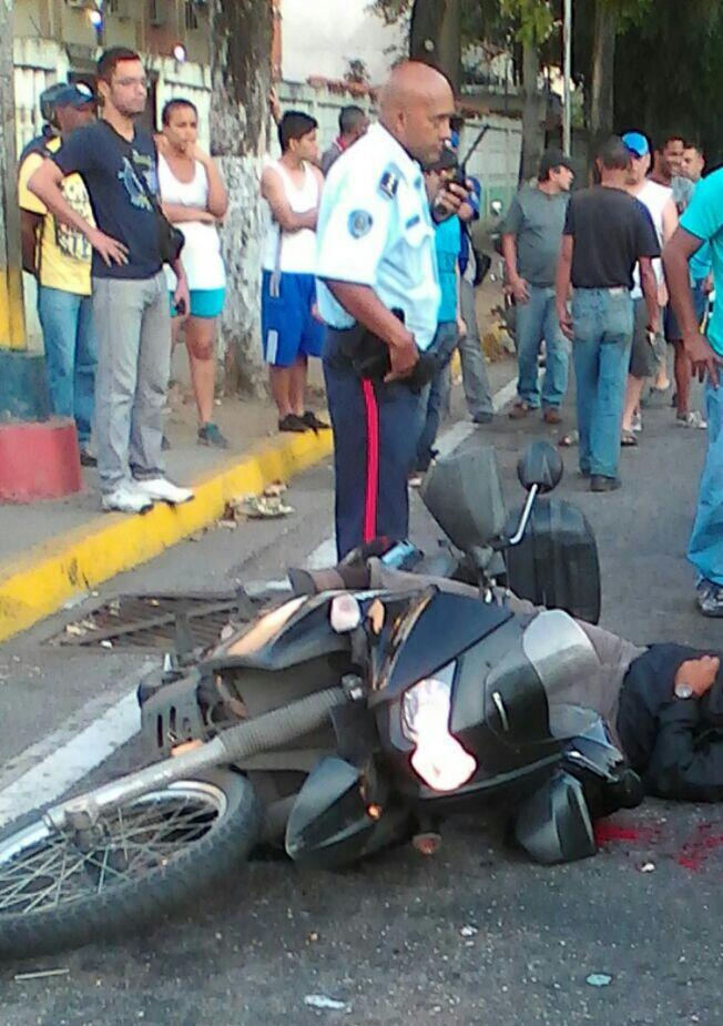 Crisis de inseguridad en Venezuela. (sálvese quien pueda) - Página 4 CZARWpnWYAIbDMV