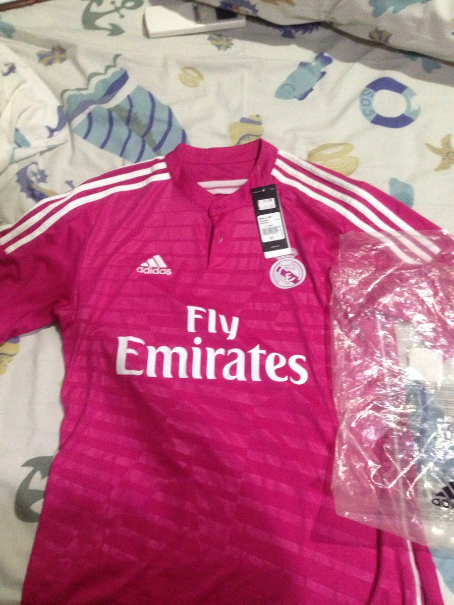 @BaliUnitedShop Real Madrid Away 14/15 ● BNWT ● Size M ● 200k ● 087886595971 / 7CD4ED60. #jersey4sale https://t.co/JfVL2BB2RJ