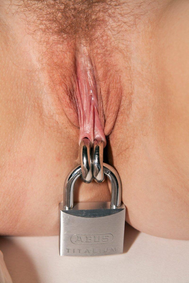It locked at my pussy