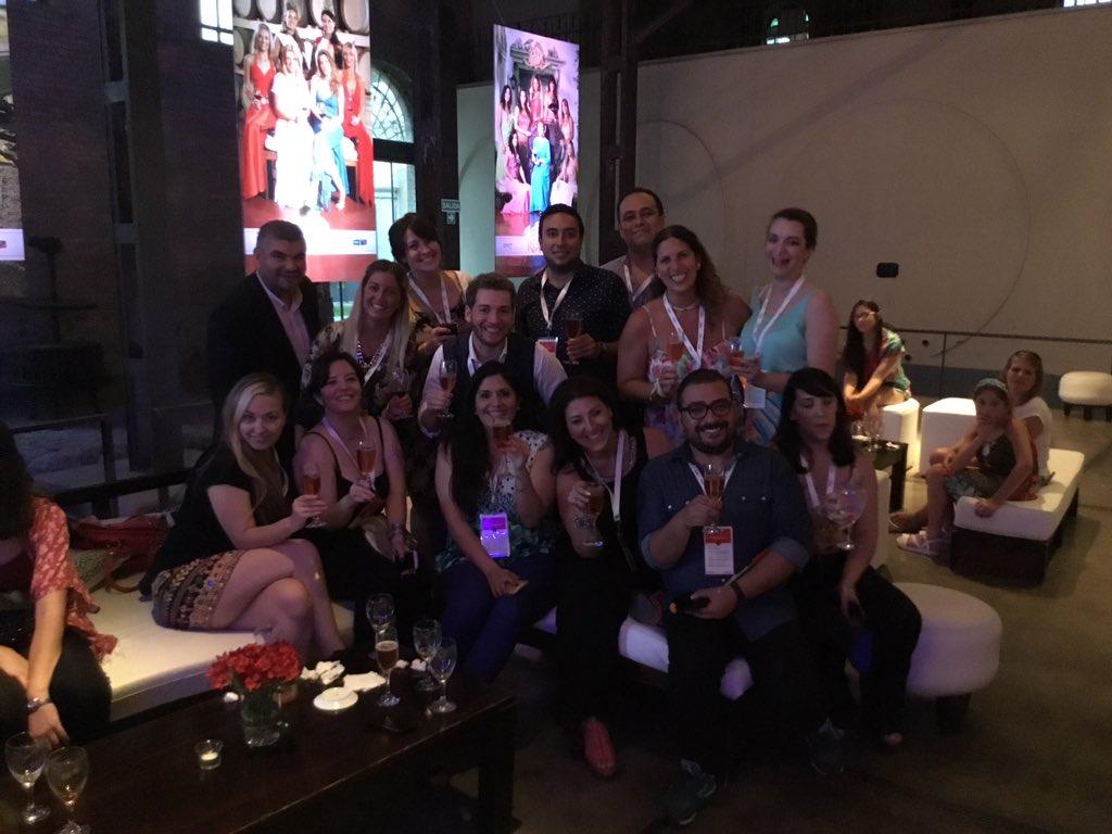 El team que hizo #10AñosReales de @Tarjeta_Nevada en @BodegaToneles https://t.co/0hU6ucJB0k