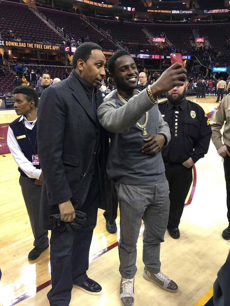After #Warriors blowout win over #Cavs in Cleveland, @stephenasmith doing a  snapchat with @AntonioBrown84. https://t.co/g9yeekBeQP