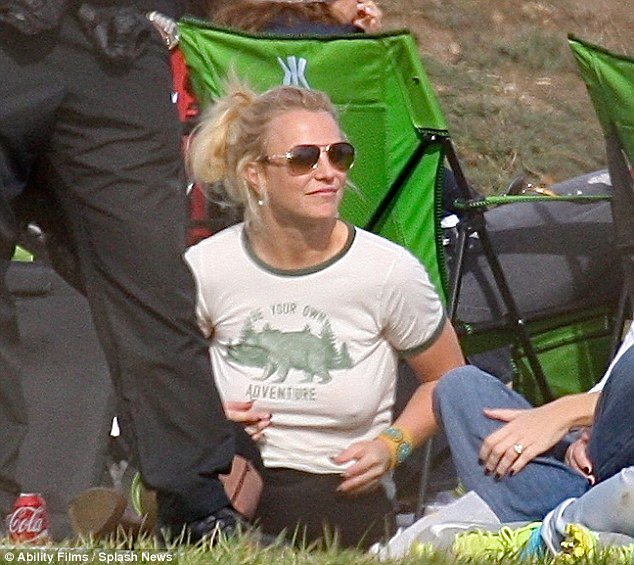 Britney spears braless