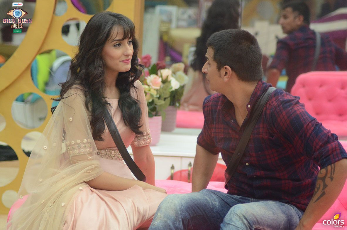 Bigg Boss 9: Episode 99 – Nora, Yuvika And Gizele Come To Say Hello To Prince!