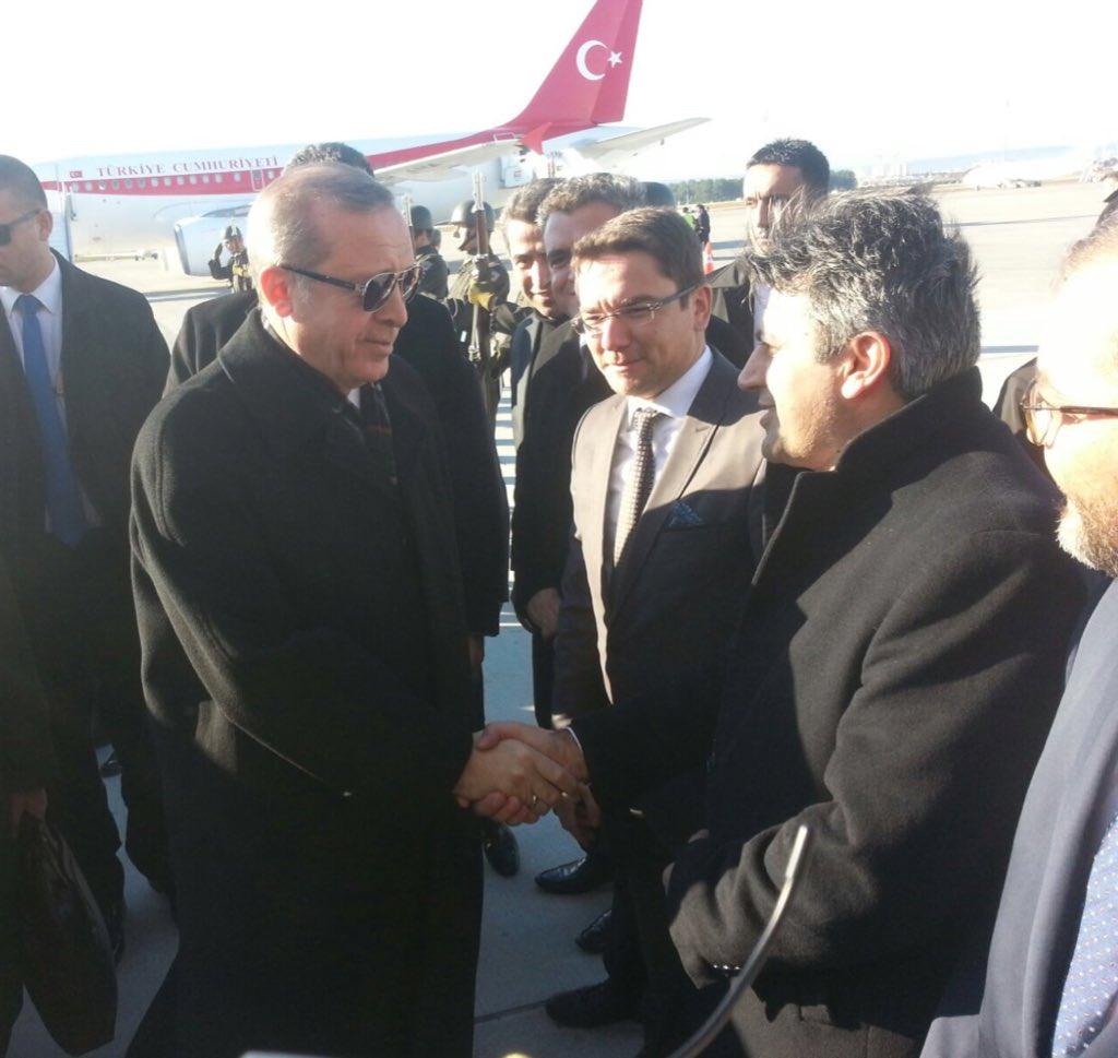 Sn Cumhurbaşkanımız @RT_Erdogan  coşkuyla heyecanla havalimanında karşıladık.