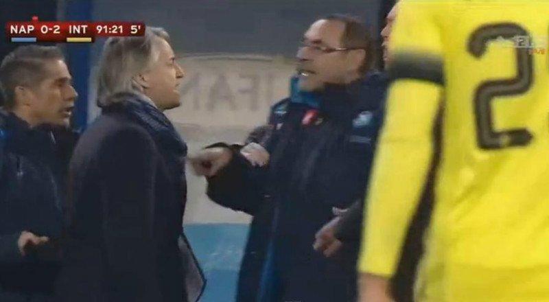 """Napoli-Inter Video, Mancini: """"Sarri è un razzista, non può stare nel mondo del calcio"""""""