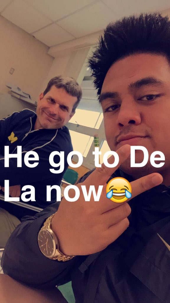 Here is Jim Harbaugh attending class with Boss Tagaloa @_BT75 today. https://t.co/hhc7Ggcwlq