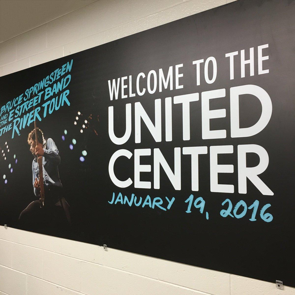 [Setlist] Chicago, 19 janvier 2016 CZHqj1sUAAAGoKx