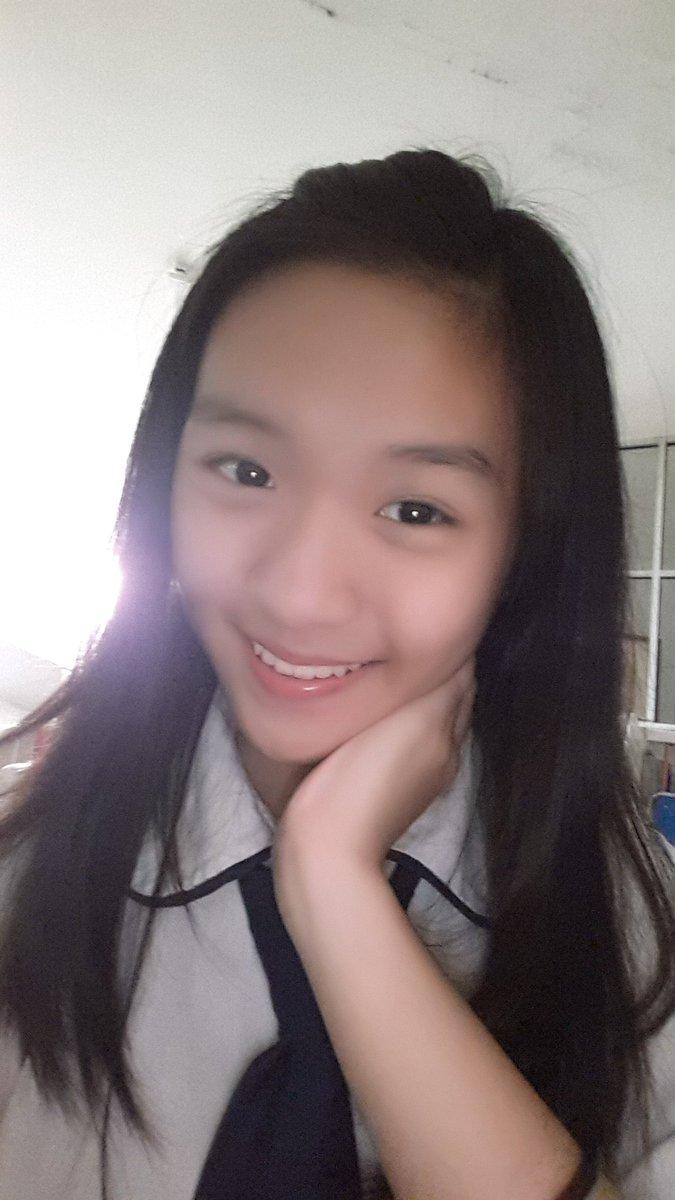 tan zhi hui celine on twitter selamat pagi celine udah sampai sekolah hari ini poni di jepit ke belakang https t co kbvyhylsno