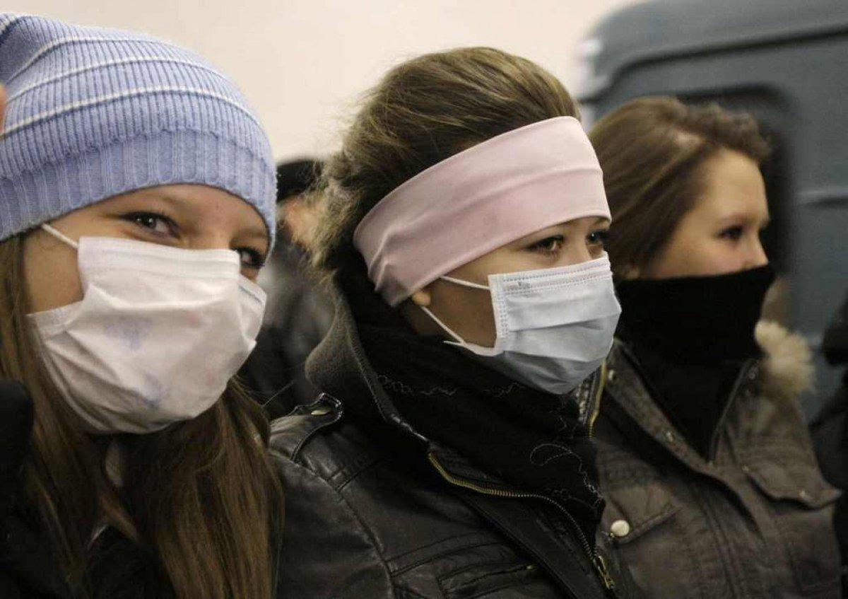 Allerta viaggiatori in Russia: l'influenza con mutazione suina ha ucciso più di 70 persone