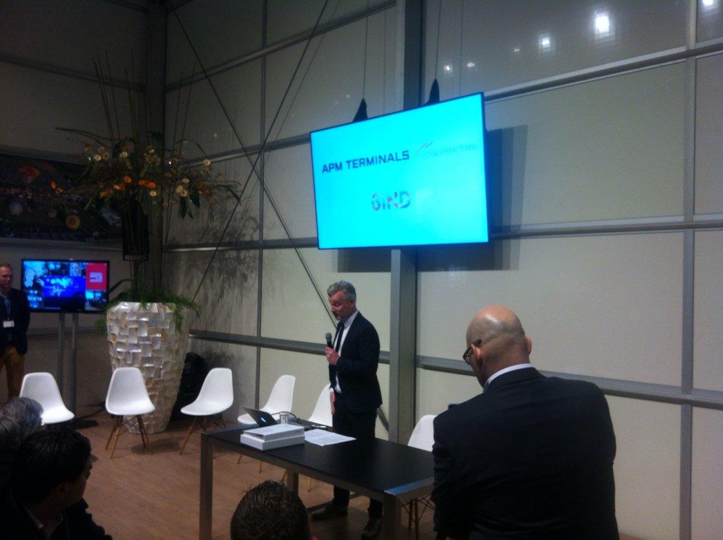 #boe16 #pietharnsterk #ceo stellt jetzt das Rotterdam Event vor. https://t.co/Elg2cuBVCV