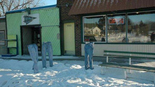 "@omfgretchen ""@GMA: Minnesota neighborhood pranked by frozen pants popping up around town: https://t.co/wDKHVrYrp4 https://t.co/k3HJmouUo0"""