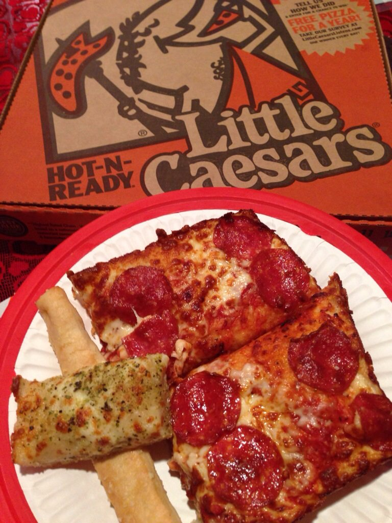 @littlecaesars mmmm...the best lunch! #LCNation #sweepstakes https://t.co/hsYpUEKTVk
