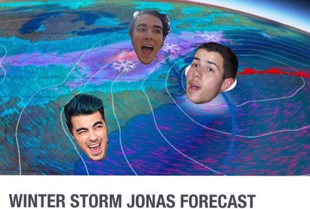Whoever made this is hilarious #WinterStormJonas https://t.co/qlDQXv0BPb