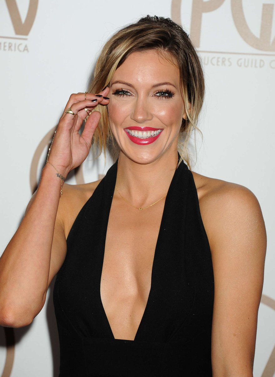 Our #WCW is @MzKatieCassidy! #Arrow returns tonight 8.7c! https://t.co/o1qjtJwKMF https://t.co/fmUsWAY7Go