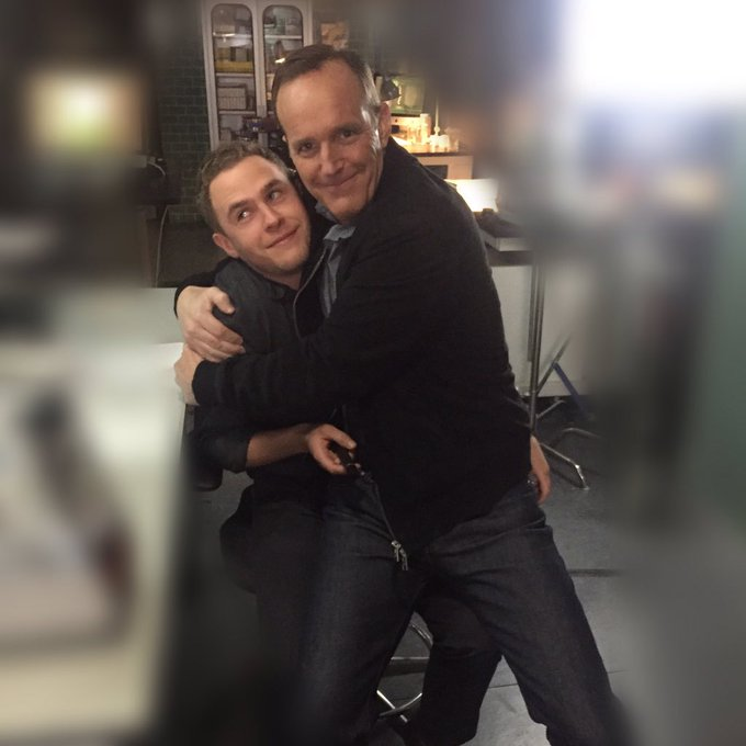What is true love? This 😍. @clarkgregg #iaindecaestecker #AgentsofSHIELD https://t.co/9gMkPY9fH6
