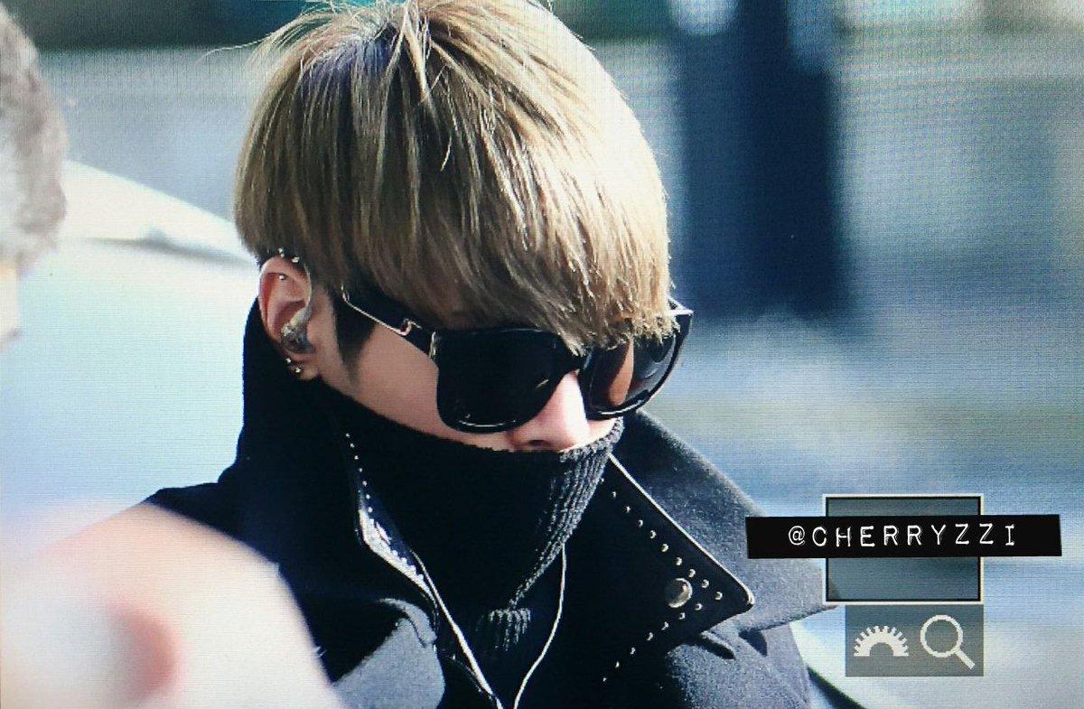 160121 Jonghyun @ Aeropuerto Gimpo {Regreso a Corea} CZNjxKHXEAArF_R