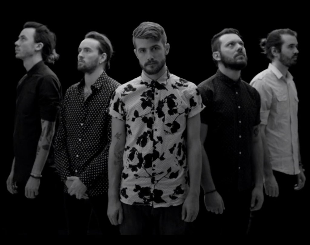 PREMIERE! After 9pm be the first to hear 'Colourblind', the brand new song by @HandsLikeHouses https://t.co/3cy6iYdWv0