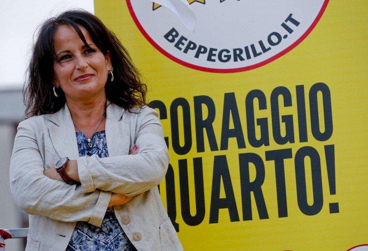 Rosa Capuozzo si è dimessa da sindaco di Quarto