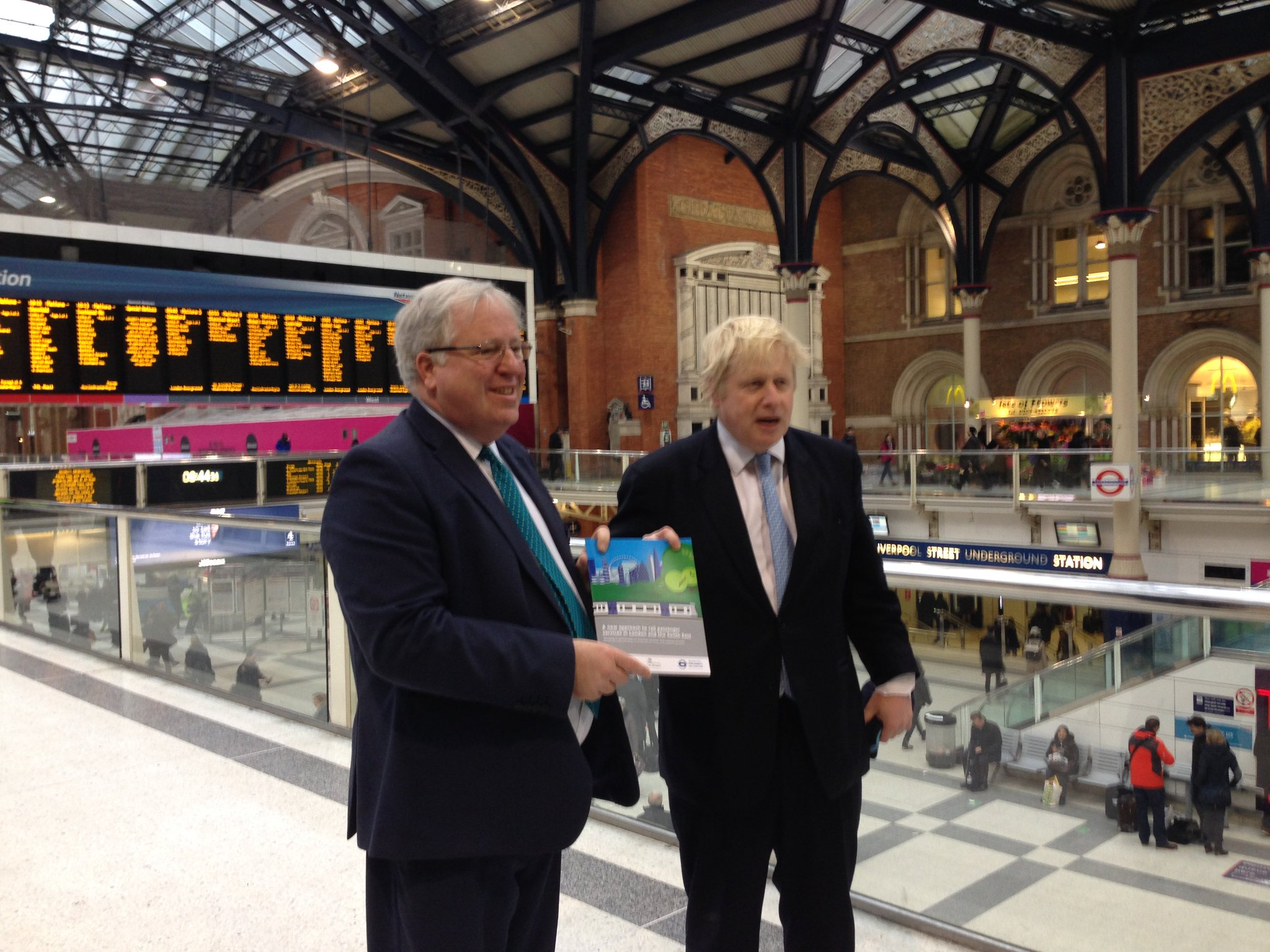 Great news for Londoners that @TfL to help run all surbaban rail in the city. Turn and up go metro style services https://t.co/y8NZfevAmW