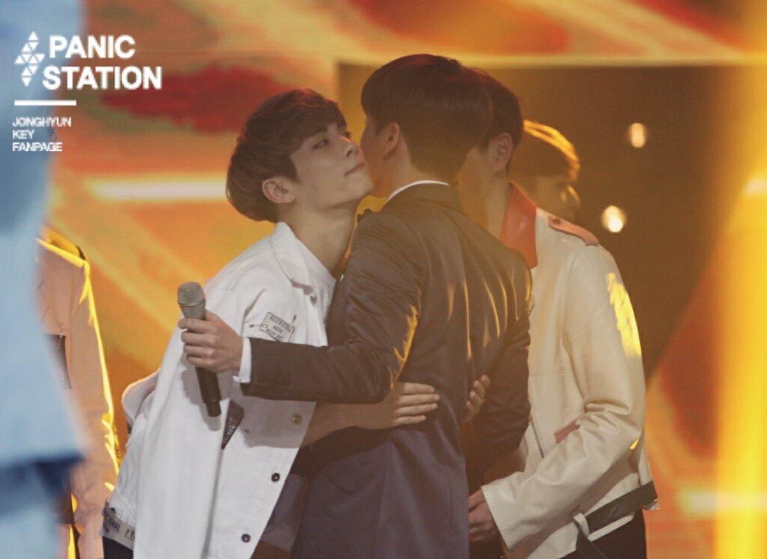 160121 Jonghyun @ 2016 Golden Disc Awars. CZQCkzkUkAE1XT1