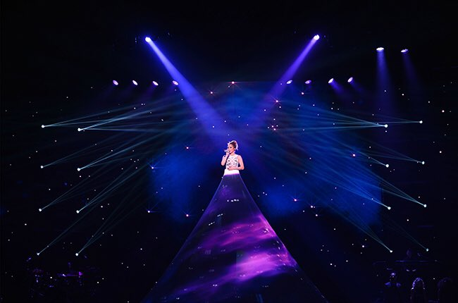 Yes ! @jlo opening night in Vegas scores a 4.5 out of 5 stars ! https://t.co/JrEM0f3fLb… https://t.co/PJEoqx2Bbw