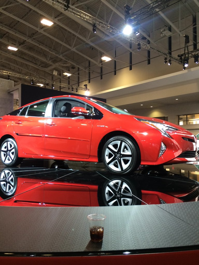 #Toyota #Prius gets 58 MPG city! Has quieter ride and intelligent parking assist. #WAS16 #DCLovesAutos #ad https://t.co/SmyHJ5hqWn