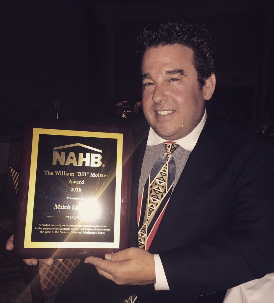 #ibsvegas congrats to @MitchLevinson3 on the Bill Molster award from @NAHBnsmc https://t.co/QGhSYtWCA6