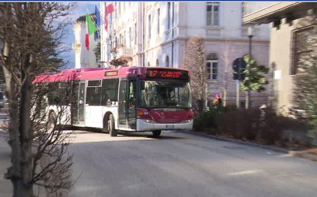 Trasporti pubblici: biglietto rimborsato se l'autobus è in ritardo