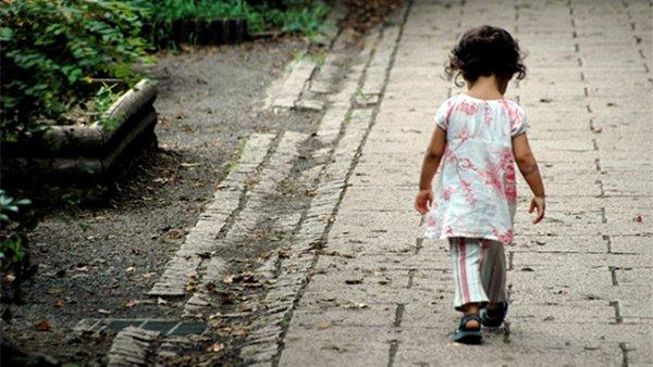 Infanzia, Italia: Save the Children, inaccettabile discriminare i bambini escludendoli dai servizi pubblici
