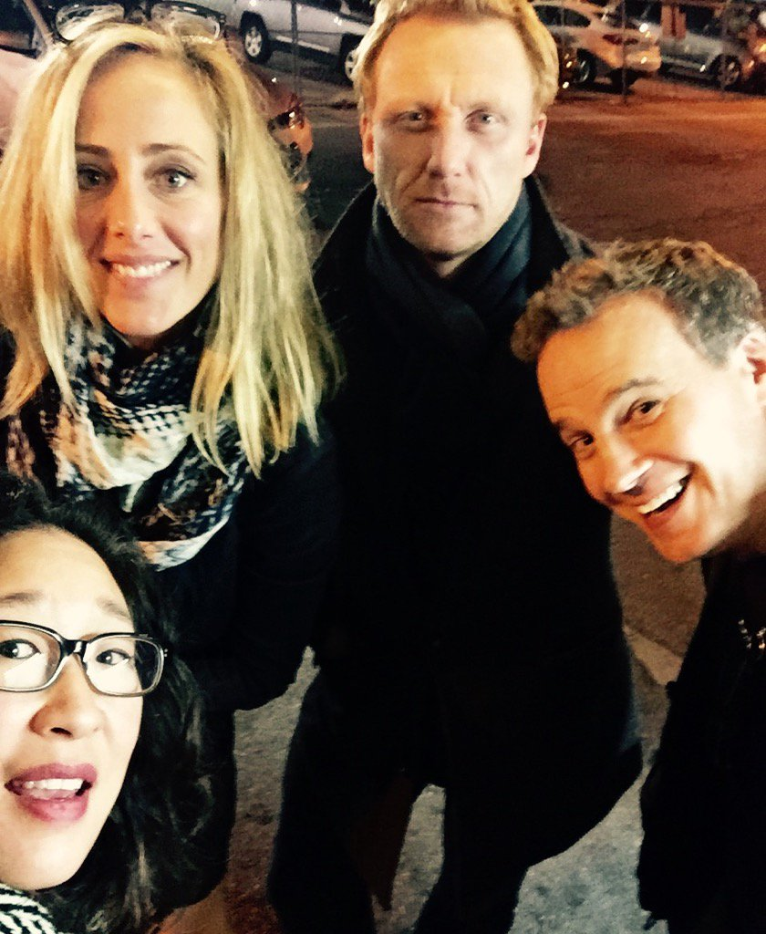 Omg it's Cristina Teddy & Owen reunion! (And Tony) Look how handsome and brooding Kev is! Happy New Year All!