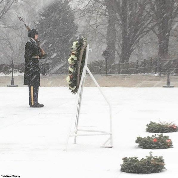 As we sit cozy at home during #snowzilla, the Sentinels continue to guard the Tomb of the Unknown Soldier #GodBless https://t.co/xctcozOGux