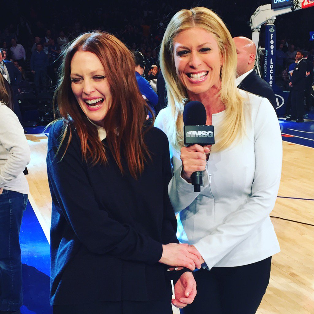 Nothing but fun at the half w/ @_juliannemoore @nyknicks @MSGNetworks ! #Knicks #celebrityrow https://t.co/ipUbbk0Nwr