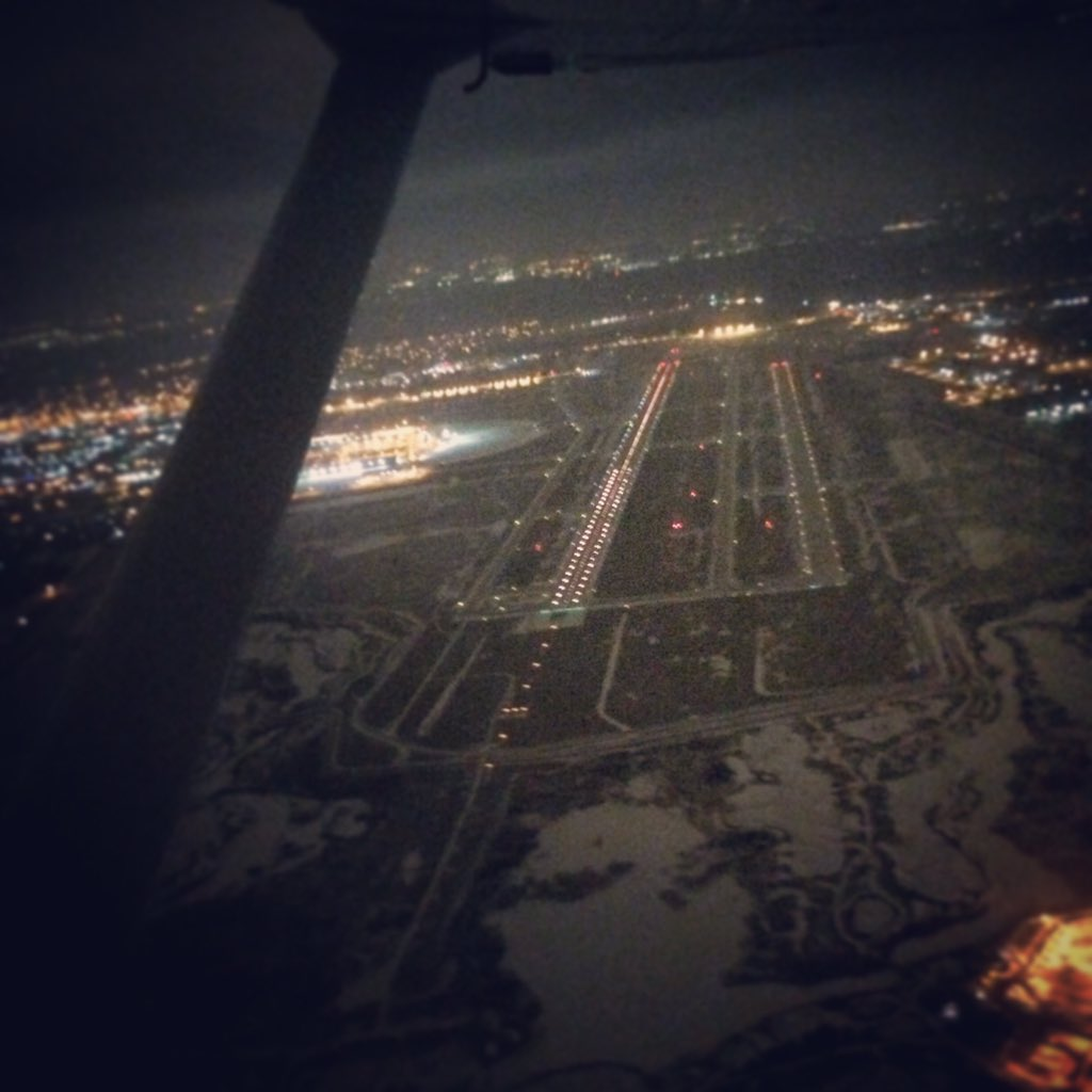 Flying through snow at night looks like going to light speed in your X-Wing. #FLYINGfriday #goflyCAP #CAP312 https://t.co/juhvTblkrD