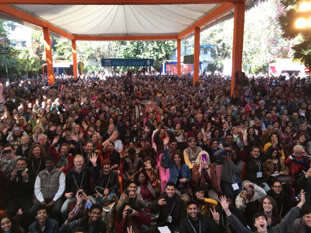 Hello audience! #JaipurLitFest https://t.co/6K244Y5DXv