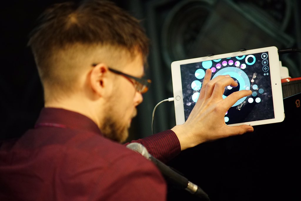 Musical instruments of all kinds @Daylight_Music, even iPads. https://t.co/RLmxUeiXUH