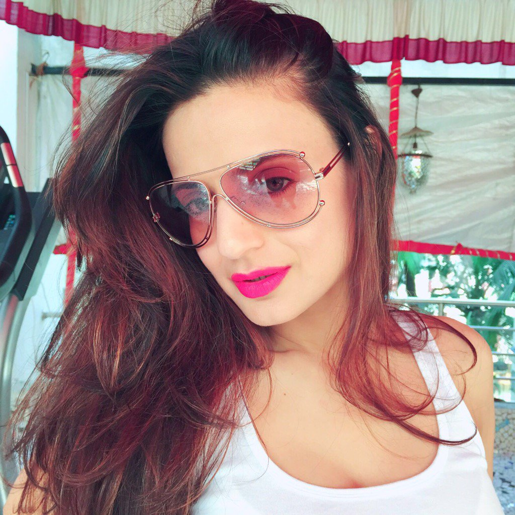 """Ameesha Patel 2016 ameesha patel on twitter: """"at work .. in the office .. still"""
