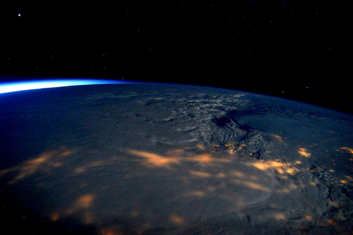 winter storm jonas space station cnet.com