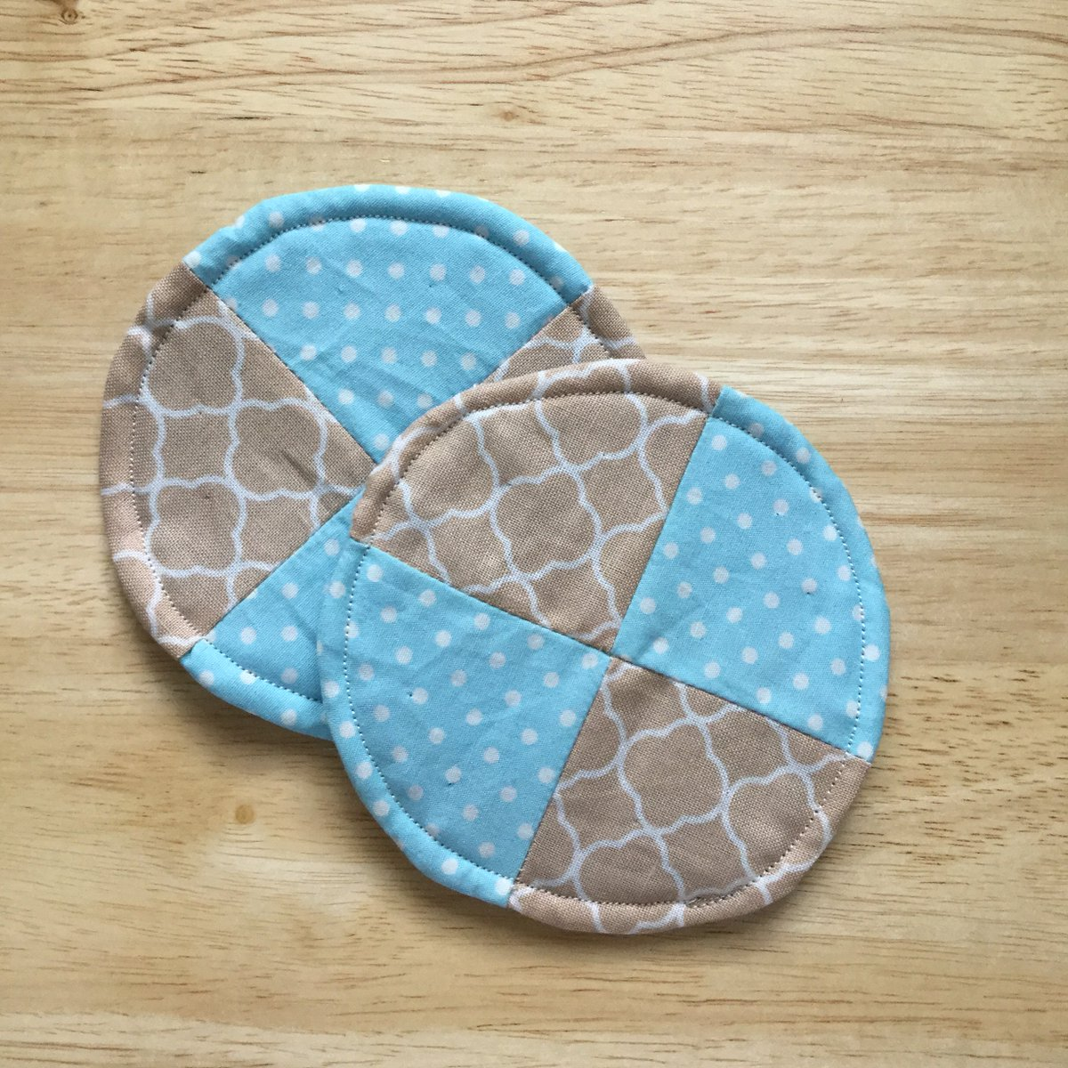 New Blog Post! How to make your own fabric cup coasters!  http:// wp.me/p6sR9e-en  &nbsp;   #aBoxofButtons #SewingProjects<br>http://pic.twitter.com/noCeQxRZkD