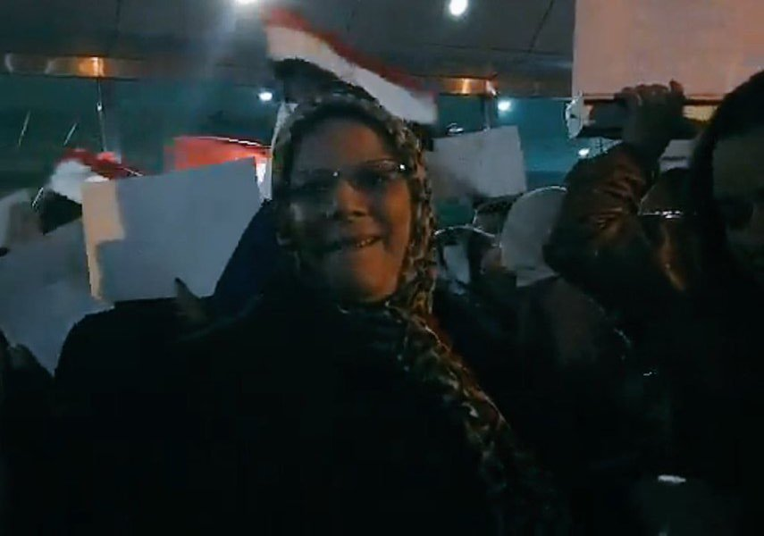 وصول واستقبال هايدى موسى ومحمد عباس بمطار القاهره باستقبال جماهيرى خروجهم ستار اكاديمى استقبال هايدى وعباس