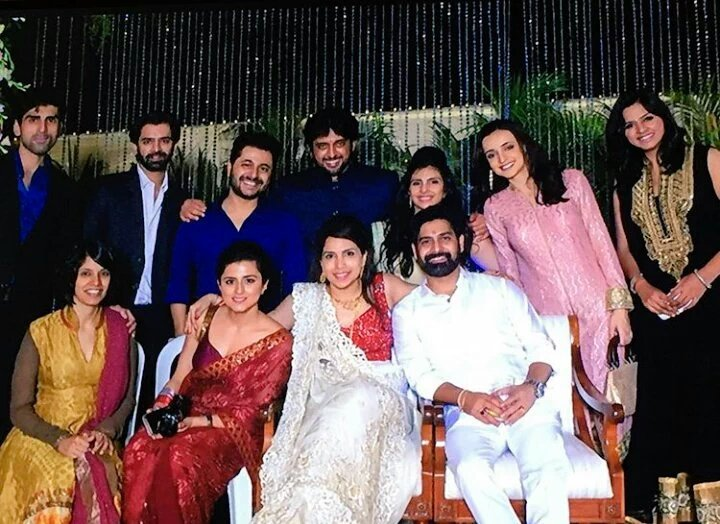 Saeda Khalaely On Twitter New Pic For SanayaIrani And Barun Sobti With Gang I Think This Before Marriage Tco FB2XxTidZR