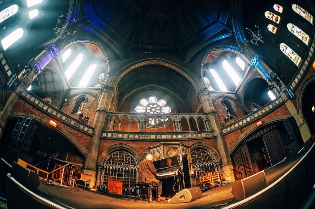 @RogerDoyle1 filling the @UnionChapelUK with his beautiful compositions @Daylight_Music https://t.co/e2SgAYEIWQ