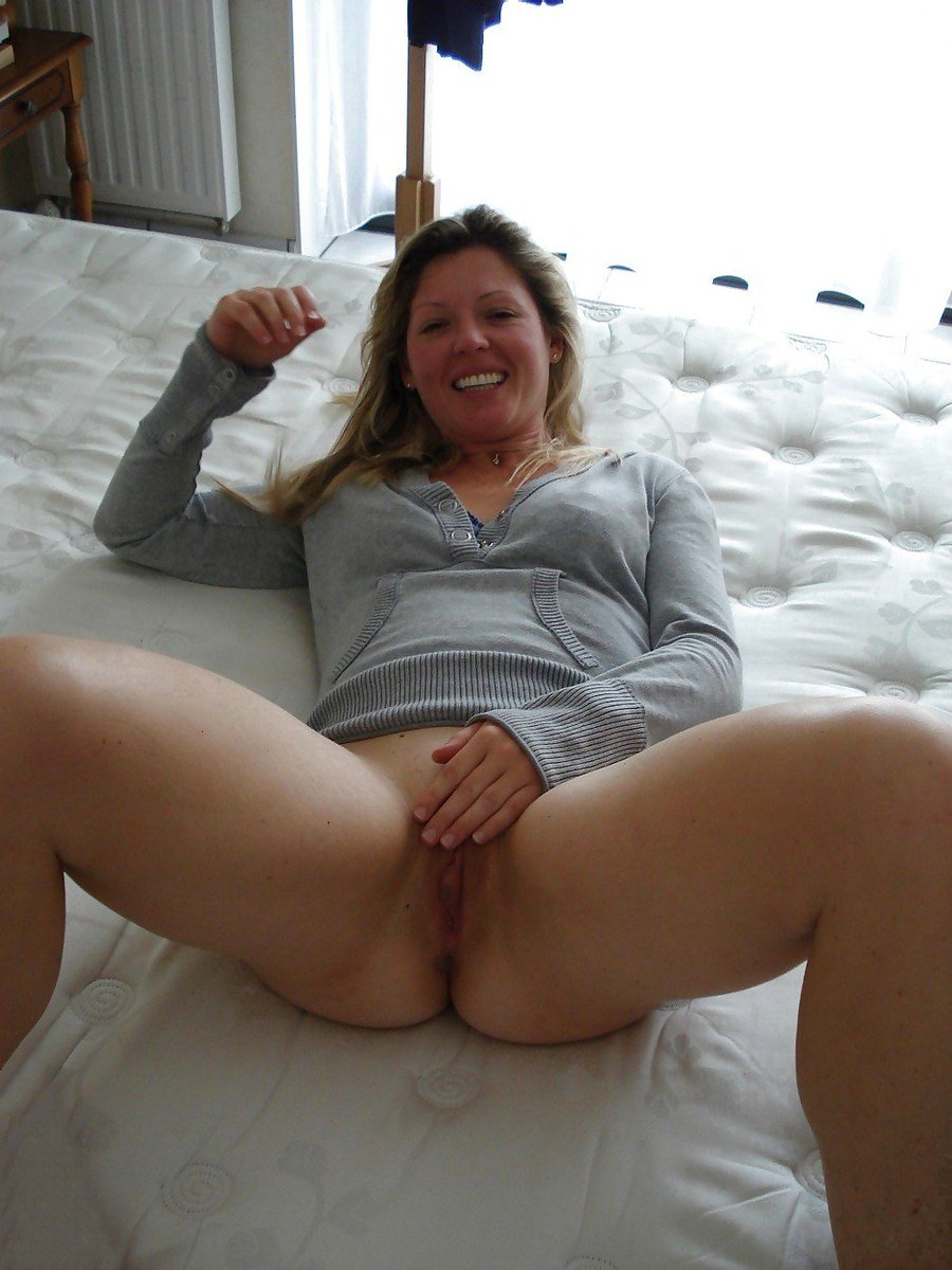 Dutch milf loves flashing