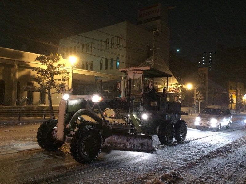 まさか長崎で、除雪車が活躍するとは。 https://t.co/4Qr8hbTC5z